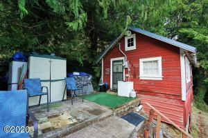 9104 E Alsea Hwy, Tidewater, OR 97390 - 9104 Fishing Cabin
