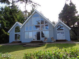 225 SW Cliff St, Depoe Bay, OR 97341 - Ocean Front