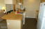 890 SE Bay Blvd, 303, Newport, OR 97365 - Kitchen