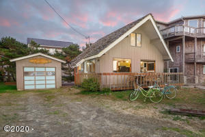 33565 Shore Dr, Pacific City, OR 97135 - Exterior Twilight