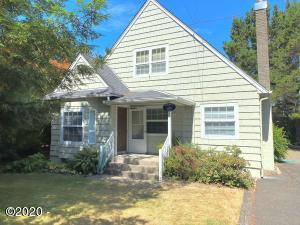 1135 SW 62nd St, Lincoln City, OR 97367