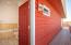 910 NW Oceania Dr, Waldport, OR 97394 - Bath access