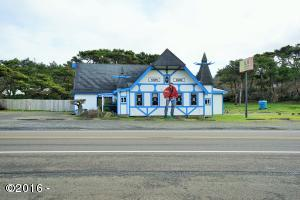 10135 NW Pacific Coast Hwy, Seal Rock, OR 97376 - Restaurant