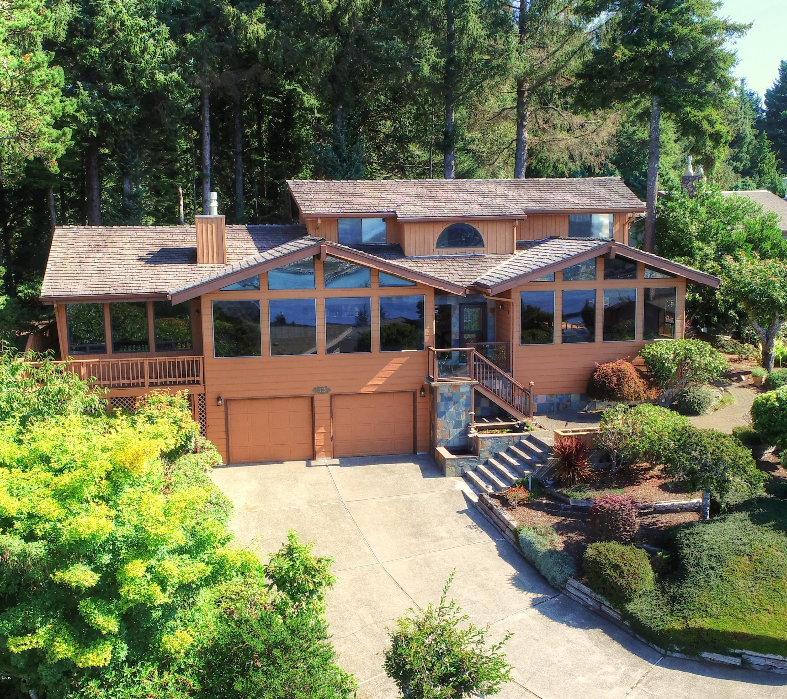 1105 SE 1st St, Newport, OR 97365