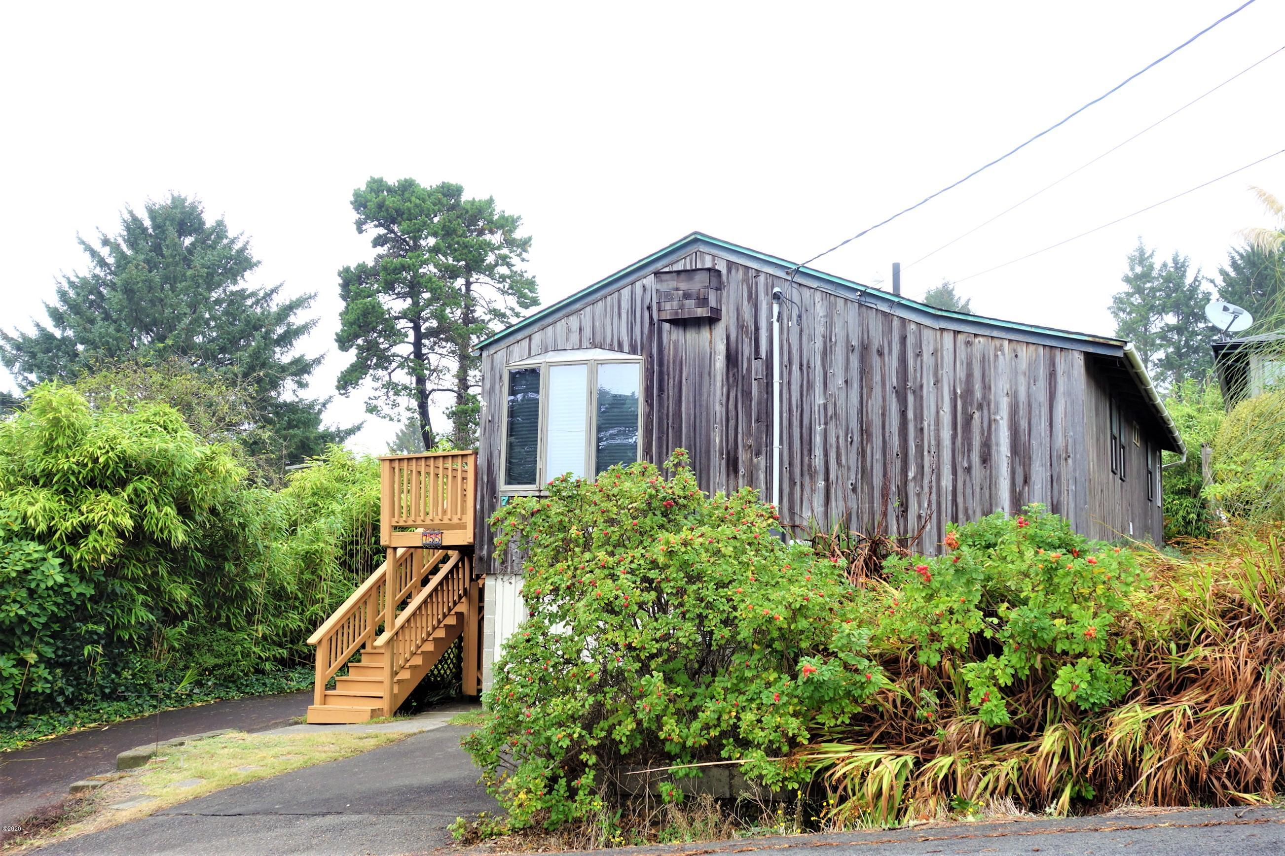 755 3rd St, Otter Rock, OR 97369