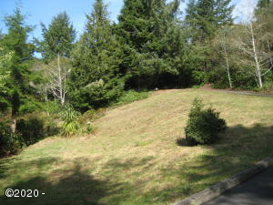 1035 NE Lakewood DR, Newport, OR 97365