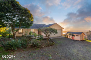 37005 Sutton Way, Pacific City, OR 97135 - Exterior