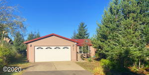 690 SE Bird Ave, Waldport, OR 97394 - Front of Home-