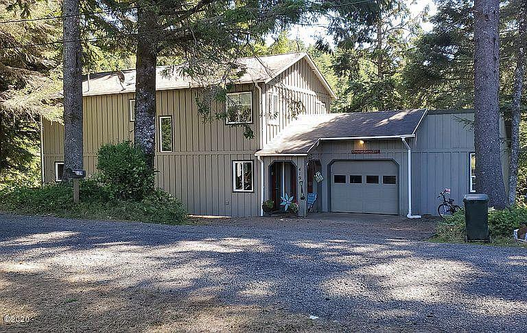 419 NE Golf Course Dr, Newport, OR 97365