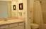 301 Otter Crest Dr, #322-3, 1/12th Share, Otter Rock, OR 97369 - Full bath off bedroom