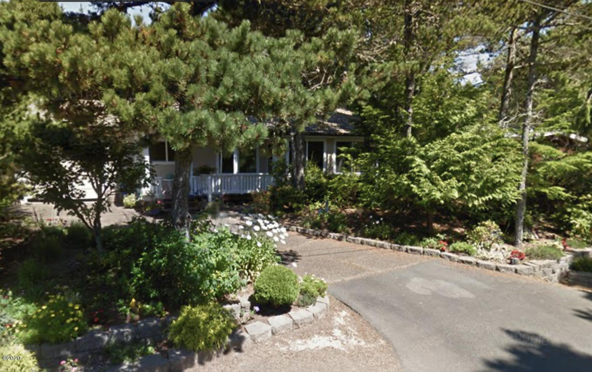 225 Shore Dr, Lincoln City, OR 97367