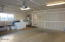 2920 NE Lisi Pl, Newport, OR 97365 - Garage