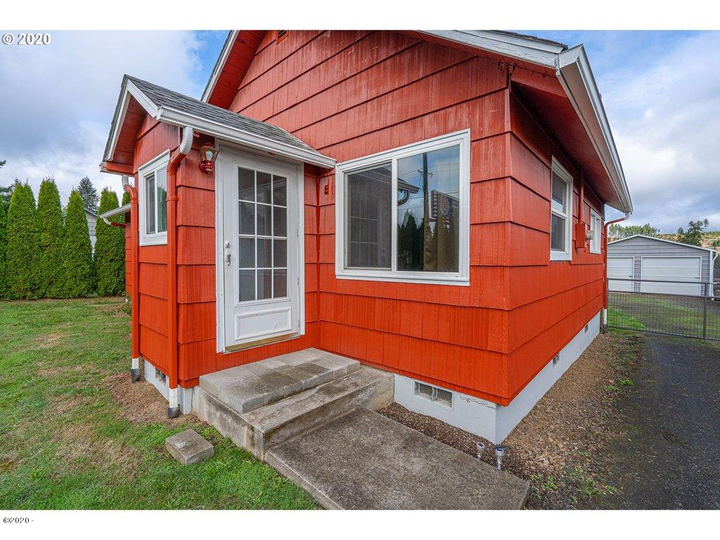 30475 Salmon River Hwy, Grand Ronde, OR 97347 - front