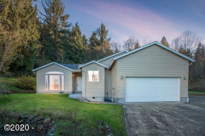 37380 Resort Dr, Cloverdale, OR 97112