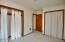 1100 NE Lakewood Dr, Newport, OR 97365 - Family Room