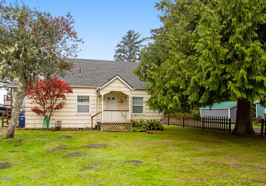 1329 SW 62nd St, Lincoln City, OR 97367 - Exterior Front View!