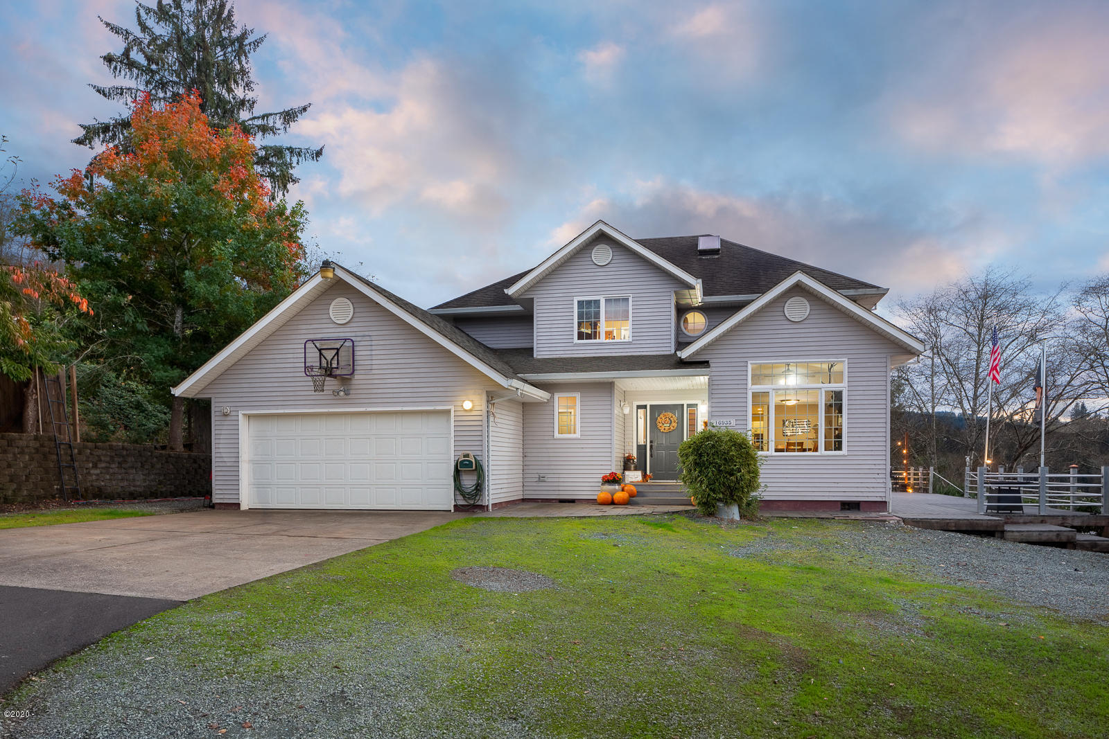 16935 Mt Hebo Rd, Hebo, OR 97122 - Front