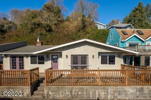 146 SW Bay Blvd, Newport, OR 97365 - 146SWBayBlvd (1)