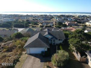 1718 NW Abbey Ct, Waldport, OR 97394 - Sky