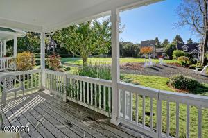 172 Elderberry Wy, Depoe Bay, OR 97341 - Parkfront Cottage