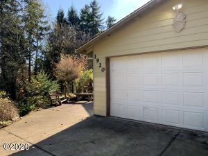 1920 NW Sunset Dr, Toledo, OR 97394 - House from Street