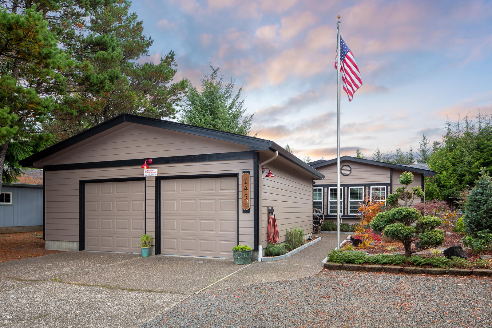 145 Seagrove Loop, Lincoln City, OR 97367 - Front of House