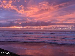 1000 SE Bay Blvd, D-118, Newport, OR 97365 - Pacific Coast Sunset