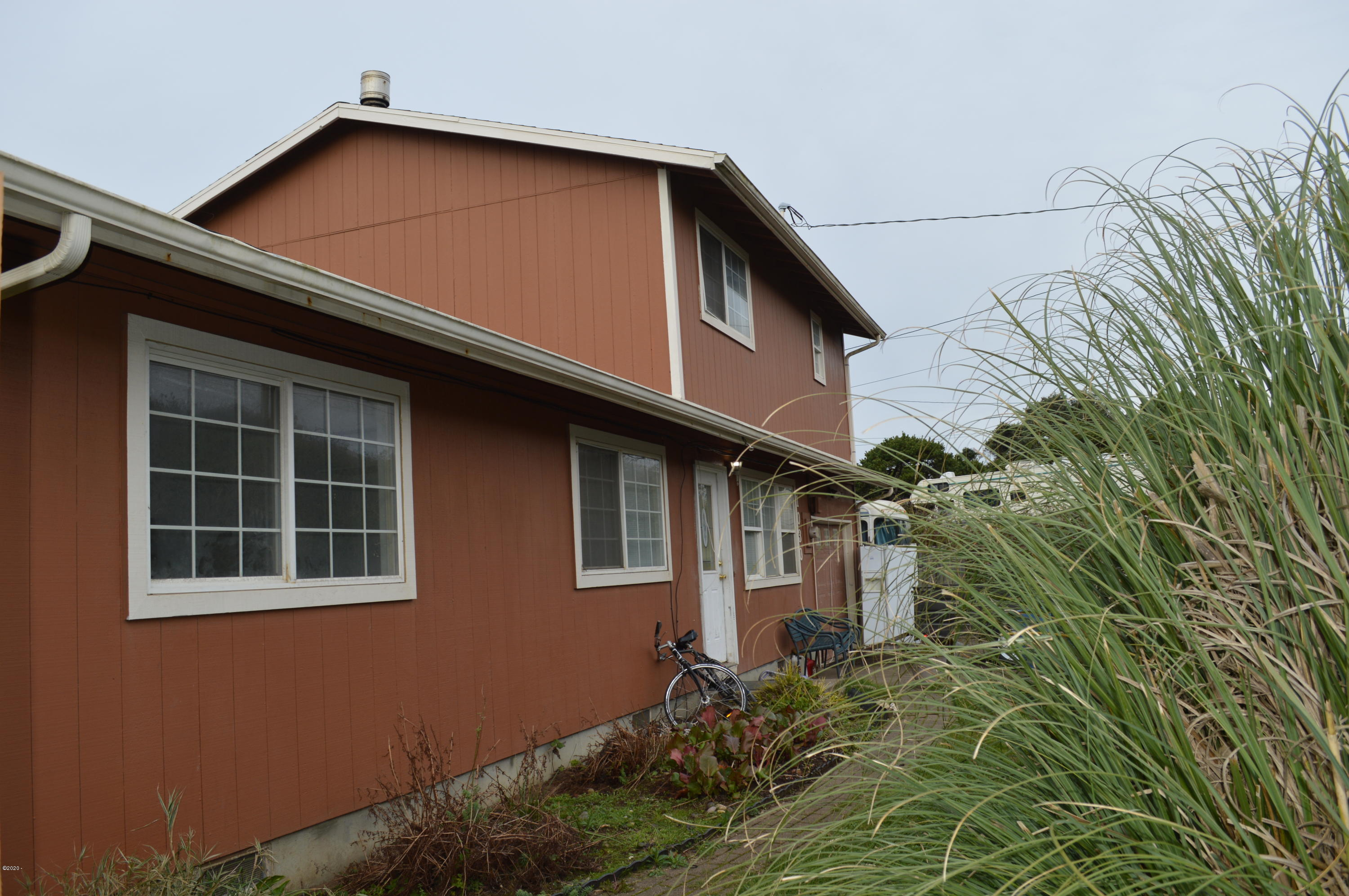 1030 SW Mark St, Newport, OR 97365 - 1030 NW Mark St 001
