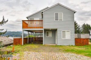 160 SE Surf Ave, Lincoln City, OR 97367 - Exterior
