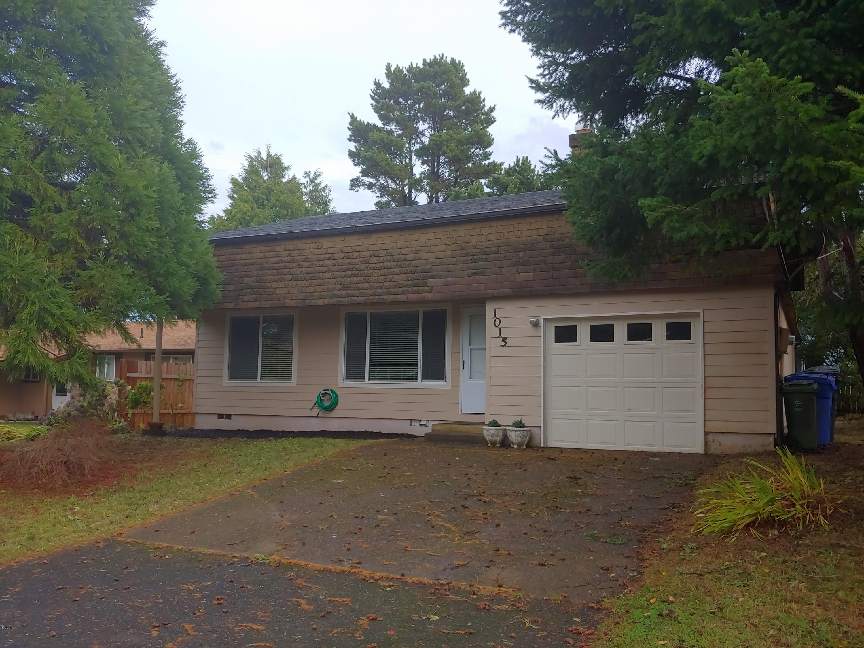 1015 SE Rolph Ct, Waldport, OR 97394 - 20201116_134310_HDR