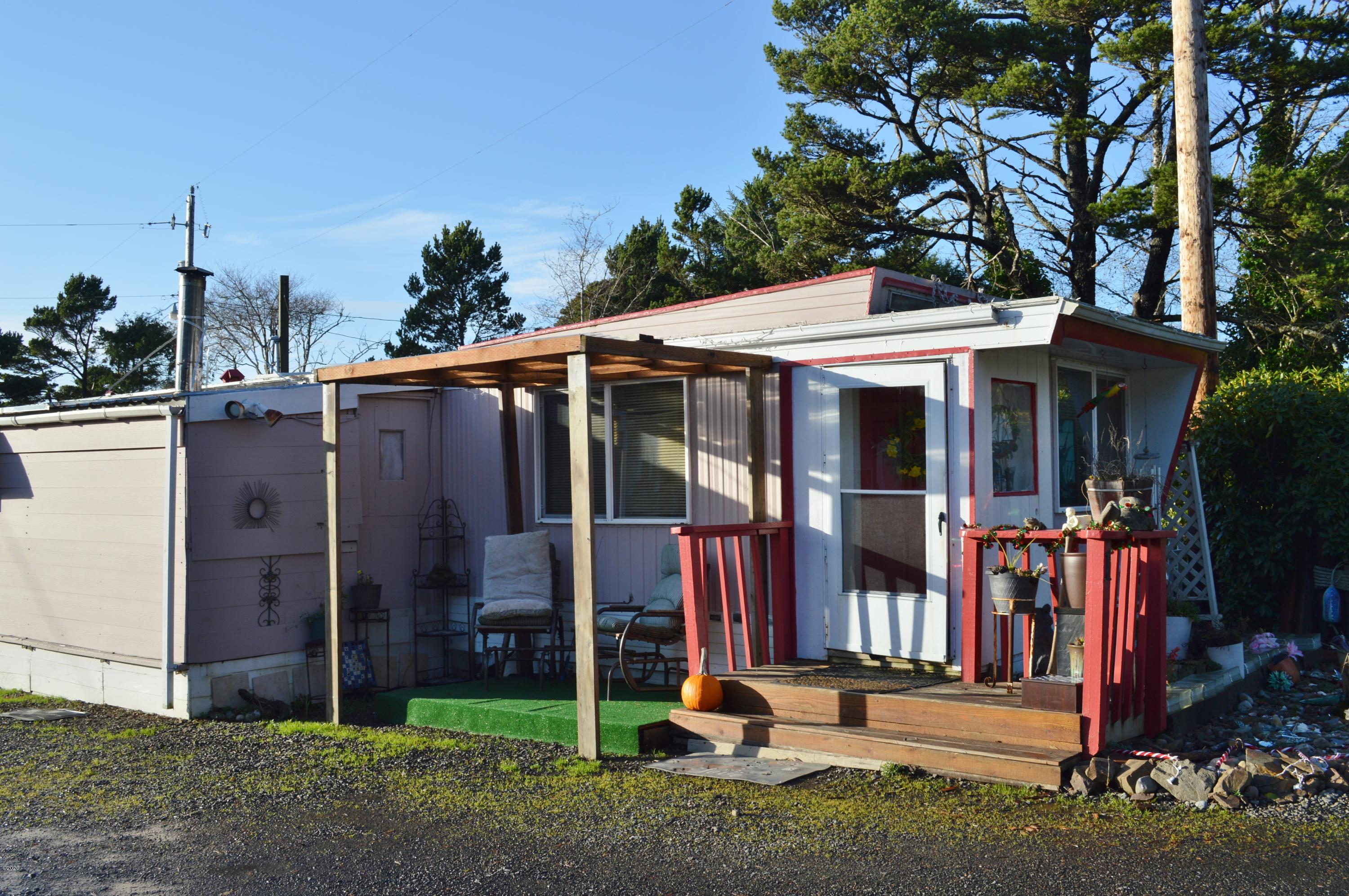 10 Breeze St, 1, Depoe Bay, OR 97341