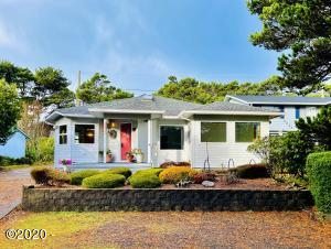 5835 Hacienda Ave, Lincoln City, OR 97367 - Front facing West