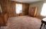 265 NE 6th St, Newport, OR 97365 - Bedroom