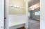 1640 NE Lake Cove Dr., Lincoln City, OR 97367 - Foyer
