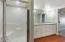 1640 NE Lake Cove Dr., Lincoln City, OR 97367 - Master Suite Bathroom