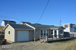2010 NW Seaview Dr, Waldport, OR 97394-9444 - Front of home