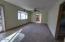 1521 N Nye St, Toledo, OR 97391 - Living Room