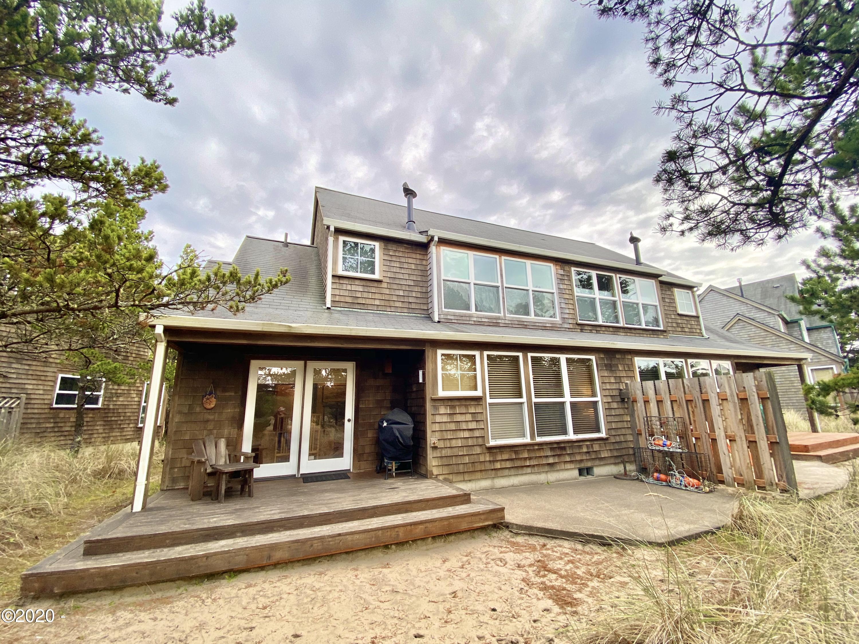 5930 Summerhouse  Share E Lane, Pacific City, OR 97135
