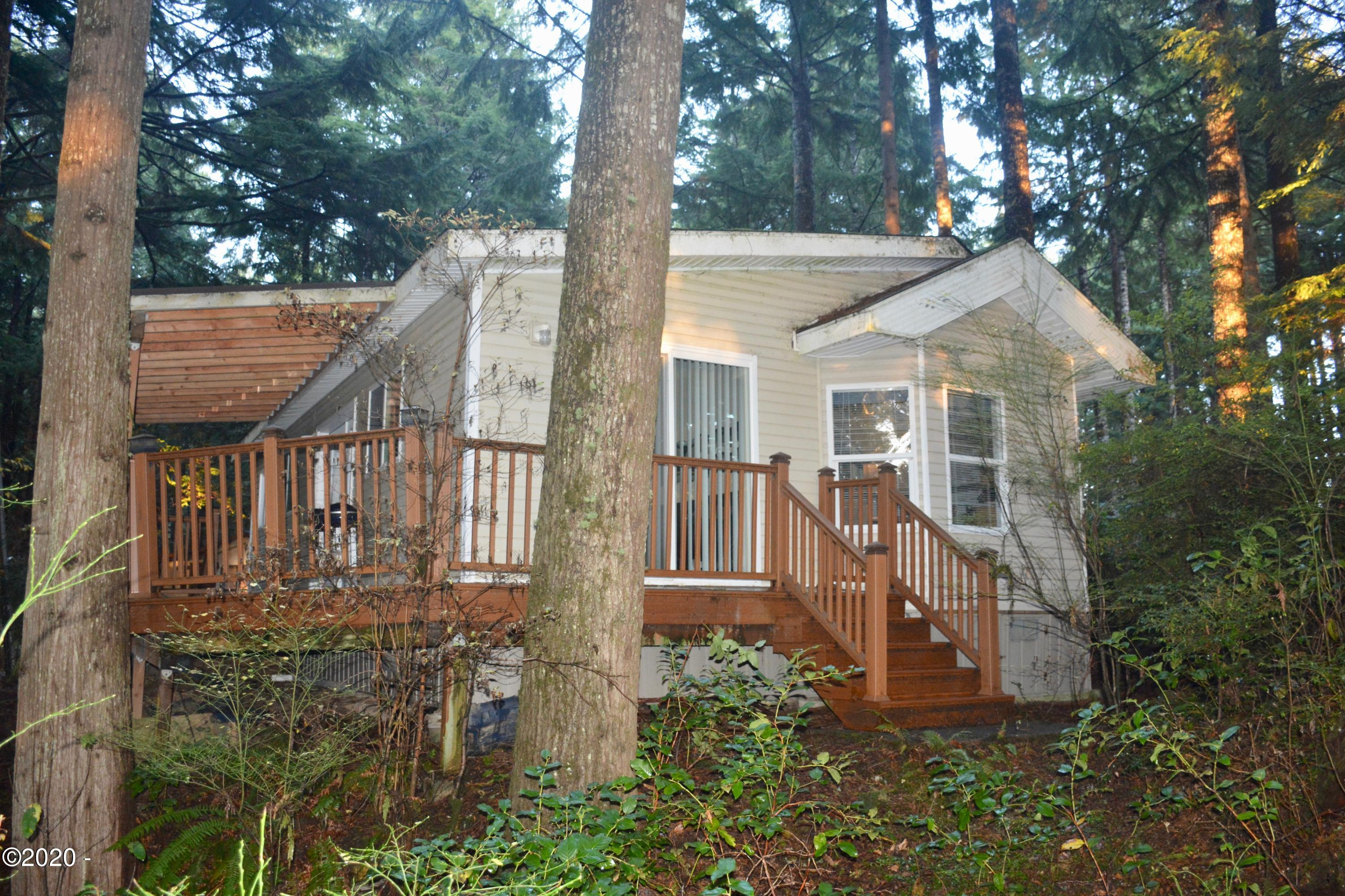 3700 N Hwy 101, Space 50, Depoe Bay, OR 97341 - Front of home