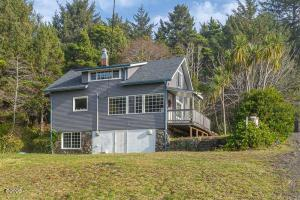 3393 SW Pacific Coast Hwy, Waldport, OR 97394 - Beach House