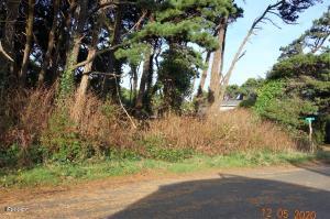 T/L 19000 Neptune Ave, Gleneden Beach, OR 97388 - Level Lot