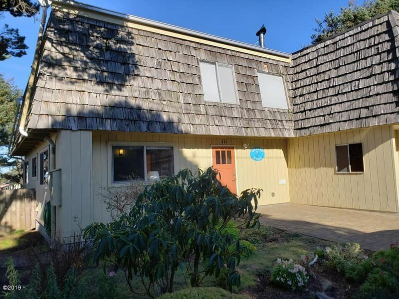 111 NW Trout St, Yachats, OR 97498 - Front