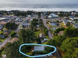 1604 NE 12th St., Lincoln City, OR 97367 - Proximity to town and beach