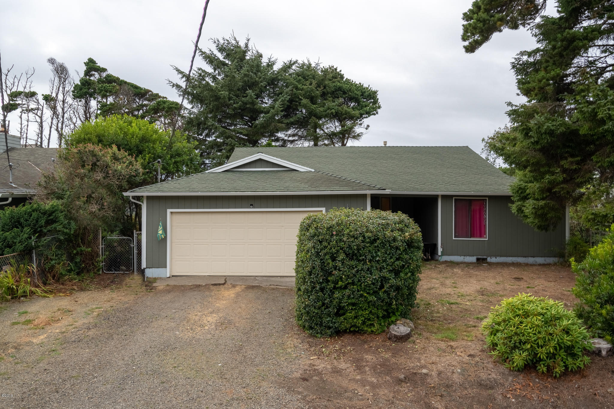 860 Pine Ave, Depoe Bay, OR 97341 - Front of Home