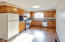 387 N Wilshire Dr, Salem, OR 97303 - kitchen