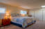 142 NE 33rd St, Newport, OR 97365 - Master Suite