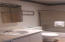 , Lincoln City, OR 97367 - Bathrm