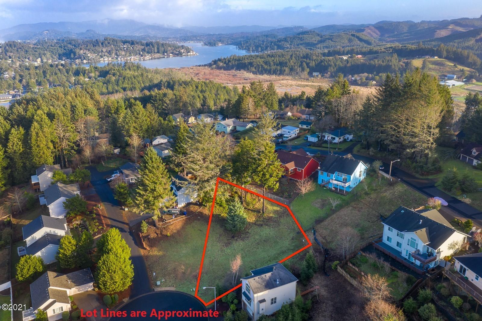 1959 SE 19th St, Lincoln City, OR 97367