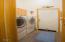 1525 SW Ocean Ter, Waldport, OR 97394 - laundry