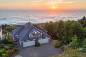 44655 Oceanview Ct, Neskowin, OR 97149 - 20180728054455382459000000-o